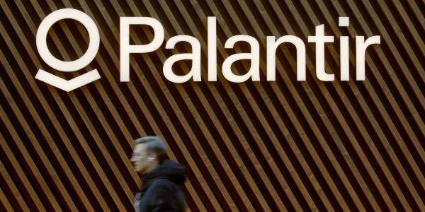 Palantir plummets 18% after Morgan…