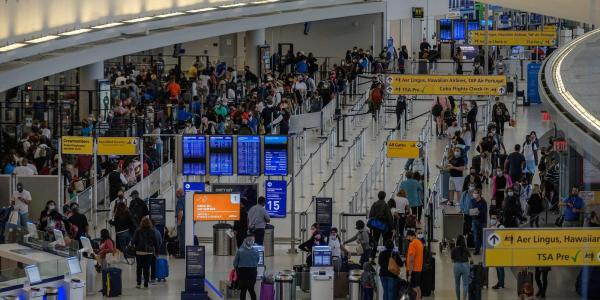 photo of A water leak at JFK Airport caused hundreds of flight delays, cancellations, and diversions on the busiest travel… image
