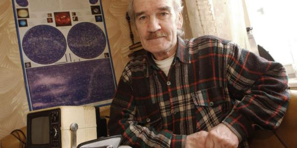 Soviet air defense officer who saved the world dies at age 77