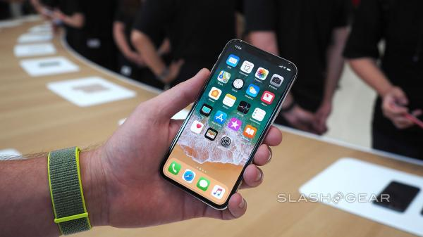 photo image iPhone X Impressions: 'Striking' Display and 'Sensational-Looking' Design Make High Price Worth It