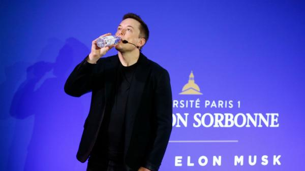 photo image Elon Musk Once Fired His Assistant Of 12 Years For Wanting A Raise